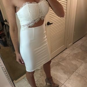 Dresses & Skirts - White Lacey top strapless dress S